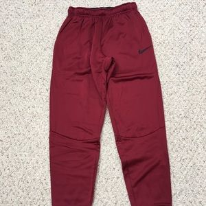 Nike dri-fit Maroon tapered leg sweatpants